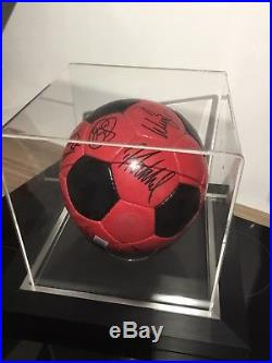 Manchester United Squad Signed Ball +display Case Offical Club Coa Sir Alex Etc